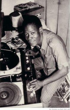 Bamako (Mali) in the place L'oeuvre de Malick Sidibé vient d'être publiée (mars 2013) dans la prestigieuse collection d'Actes Sud ...