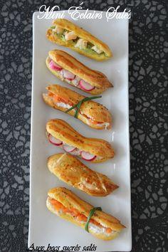 Mini éclairs : guacamole et crevettes, fromage frais et saumon fumé, pesto et jambon cru, ou encore chèvre frais et radis. Déclinable en toasts ou en petits choux farcis