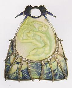 'Winter Nymphs' pendant, by René Lalique, circa 1900-1902. Gold, glass, enamel and diamonds. Signed 'LALIQUE' on the right edge. Unique piece.