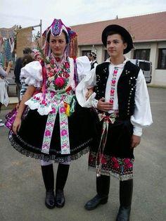Rimóc szüreti Ukraine, Costumes Around The World, Art Populaire, Folk Clothing, Hungarian Embroidery, Folk Dance, World Photo, Folk Costume, My Heritage