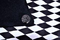 """Họa tiết bàn cờ ( Checkered prints ) không hẳn là điều gì quá mới mẻ, khiến người nghe phải À, Ố ! lên kinh ngạc, nhưng những ai là tín đồ của thời trang đều cùng gật đầu công nhận rằng: """" Giữa những thiên biến vạn hóa của xu hướng và ngành công nghiệp thời trang, những ô cờ luôn là niềm cảm hứng bất tận, có sức hút mãnh liệt đến nỗi chính họ cũng không thể cưỡng lại kiểu họa tiết nổi bật này ... """".   #kimmay #new #collection #fallwinter2015 #checkeredprints #fashion  C o m i n g S o o n !"""