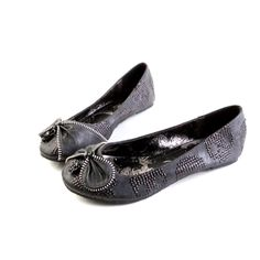 iron fist shoes (WANT!!)