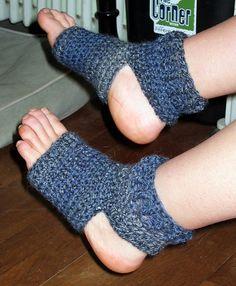 Crochet yoga socks free pattern!