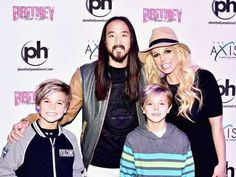 Pin by driele assis on britney spears piece of me las vegas britney sean jayden no meet greet 271215 m4hsunfo