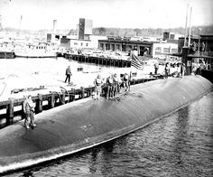 Tinosa SSN 606 in 1965 getting underway Sub Base New London CT   http://www.janelguerber.com/joomla/index.php?option=com_content&task=view&id=135&Itemid=168
