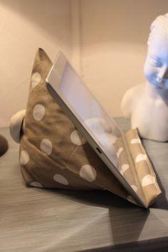 support berlingot en tissu pour tablette