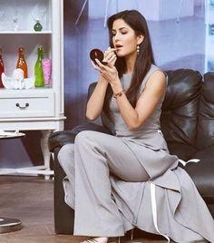 Latest photos of Katrina Kaif Hot Actresses, Beautiful Actresses, Indian Actresses, Bollywood Celebrities, Bollywood Actress, Indian Actress Photos, Katrina Kaif, Love Her Style, Bollywood Stars