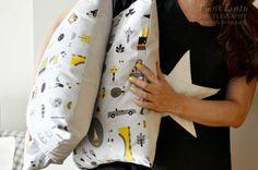 White Jeans, Friends, Fashion, Amigos, Moda, Fashion Styles, Fashion Illustrations, Boyfriends