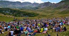 """I Suoni delle Dolomiti Ritorna anche quest'anno l'appuntamento con la musica d'autore in alta quota. Saranno la Malga Tassulla e il Monte Peller ad ospitare quest'anno l'appuntamento de """"I Suoni delle Dolomiti"""" in Va di Non."""