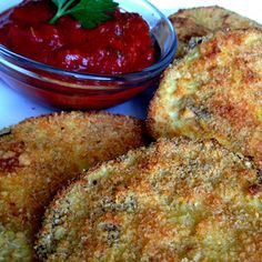baked Eggplant Parmesan 1 medium eggplant, cut into – inch slices 1 egg white, beaten lightly cup of breadcrumbs (Italian seasoned crumbs work beautifully) cup grated Parmesan cheese 1 tsp Italian spices garlic salt and ground pepper to taste min. Vegetable Dishes, Vegetable Recipes, Vegetarian Recipes, Cooking Recipes, Egg Plant Recipes Healthy, Eggplant Appetizer, Tapas, Le Diner, Food Dishes