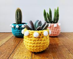 Ravelry: pom pom mini planter pattern by Hello Happy Crochet Sole, Diy Crochet And Knitting, Crochet Motifs, Crochet Patterns, Crochet Planter Cover, Crochet Plant Hanger, Crochet Decoration, Crochet Home Decor, Diy Sewing Projects