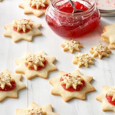 Almond Raspberry Stars Best Christmas Cookie Recipe, Christmas Baking, Christmas Treats, Christmas Goodies, Christmas Recipes, Christmas Videos, Christmas Stars, Holiday Cookies, Holiday Treats