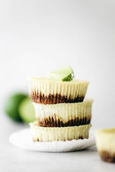 Summer's favorite citrus pie made mini! These key lime pies bring the classic creamy sweet tang with a dairy-free filling and crumbly gluten-free oat crust. Healthy Pie Recipes, Citrus Recipes, Yummy Recipes, Gluten Free Pie, Dairy Free, Mini Key Lime Pies, Individual Pies, Lime Desserts, Key Lime Juice