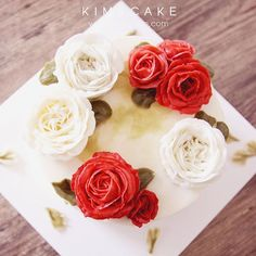 KIM&CAKE signature rose and David Austin rose #bakingclass#buttercream#cake#baking#수제케이크#weddingcake#버터크림케이크#꽃#flowers#buttercake#플라워케이크#wedding#버터크림플라워케이크#specialcake#birthdaycake#flower#장미#rose#디저트#케이크#cupcake#dessert#food#beautiful#부케#bouquet#instacake#꽃스타그램#flowercake#peony @yoon2222222