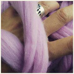82 отметок «Нравится», 19 комментариев — Пледы из толстой пряжи Меринос (@wool__mood) в Instagram: «Я тут задумалась, как выходит так, что иногда бизнес приносит денег, а иногда нет... ☕☕☕ Для меня…» Merino Wool Blanket, Rings For Men, Men Rings