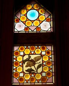 #elcaprichodegaudi #capricho #comillas #cantabria #cantabriainfinita #cantabriainfinita #cantabria_y_turismo #españa #spain #primavera #spring #antonigaudi #detalle #detallehistorico #vidriera #instart #picoftheday #photographyoftheday @descubrecomillas Antoni Gaudi, Spain, Instagram, Frame, Decor, Quotation Marks, Tourism, Picture Frame, Gaudi