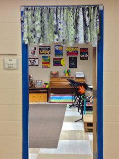 Make Music Rock!: Dress it Up - Ideas to brighten up your classroom. - Great Music Blog with lots of other music education ideas!  #WestMusic #InspireMyClass