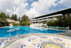 Da 119 euro A COPPIA per ROMANTICA MAGIA da HOTEL SIERRA SILVANA nella SELVA DI FASANO! #Bellavitainpuglia #fasano #travels #magic #dreams #weareinpuglia