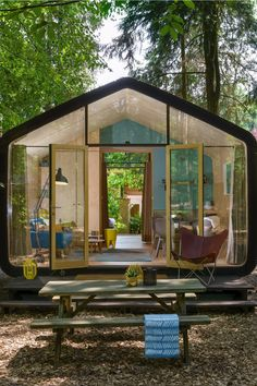 House Extension Design, Tiny House Design, Portable House, Box Houses, Wooden House, House Goals, Architect Design, House In The Woods, Amazing Architecture