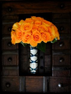 Orange roses. i would like to mix some white roses in or have white roses with another typer of orange flower #DBBridalStyle