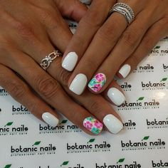 white and flowers, perfect for a summer vacation!