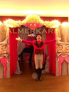 CIRCUS THEMED ENTERTAINMENT - CIRCUS RINGMASTER welcomes guests as they arrive at this THEATRICAL CIRCUS themed Corporate Party. Tel: 020 3602 9540  UK ENTERTAINMENT AGENCY spreading CIRCUS big top fun to everyone across MANCHESTER, CHESHIRE, BIRMINGHAM, BRISTOL, BRIGHTON & LONDON  Tel:  020 3602 9540 http://www.calmerkarma.org.uk/CIRCUS-THEMED-ENTERTAINMENT-BLOG.html