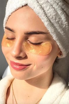 21 Best Under-Eye Masks & Eye Patches for Dark Circles and Puffiness - Care - Skin care , beauty ideas and skin care tips Gold Eye Mask, Eye Masks, Beauty Skin, Hair Beauty, Dark Circle Remedies, Under Eye Mask, Dark Circles Under Eyes, Cool Eyes, Glowing Skin