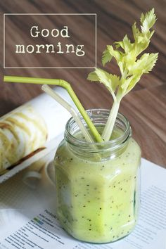 Green Smoothie For Glowing Skin.Reliable Tricks For Incorporating Nutrition With Green Smoothies How To Make Smoothies, Apple Smoothies, Healthy Breakfast Smoothies, Green Smoothies, Celery Smoothie, Veggie Smoothies, Pineapple Health Benefits, Turmeric Health Benefits, Benefits Of Eating Avocado