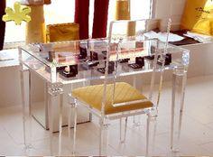 MODELLO LV1+SHOWCASE #consolle #trasparente #acrylic #consolle #plexiglass #desk…