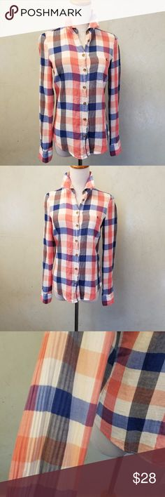 H&M checkered long sleeve shirt in perfect condition like new H&M long sleeve checkered button down shirt H&M Tops Button Down Shirts