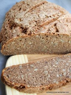 Köstliches Roggen-Vollkorn-Brot mit Sauerteig Delicious rye wholemeal bread with sourdough Stoneware Pampered Chef ideas Pampered Chef, German Bread, Rye Bread, Sourdough Bread, Chocolate Heaven, Cheap Dinners, Bread Baking, Bread Recipes, Banana Bread