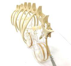 3D Printeresting. An original concept...3D Printing: Kinetic Spine Vehicle