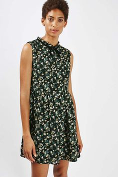 **Victoriana Neck Floral Dress by Glamorous