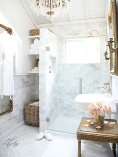 French Cottage Bathroom Inspiration round-up. A great way to get your creative juices flowing before you dive into your own space makeover! French Country Kitchens, French Country Bedrooms, French Country Cottage, French Country Decorating, Country Style, French Country Bathroom Ideas, French Bathroom Decor, Country Living, Parisian Bathroom
