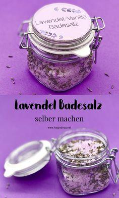 Lavendel Badesalz selber machen. So einfach macht Ihr Euch DIY Kosmetik selbst. Badesalz mit Lavendel und Vanille Duft selber machen. Einfaches Rezept und Schritt für Schritt Anleitung mit Video zum nachmachen. #badesalz #lavendel