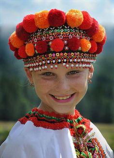Little girl in a beautiful national costume of Ukraine (? Headdress with pom-poms. Kids Around The World, We Are The World, People Around The World, Beautiful Smile, Beautiful World, Beautiful People, Precious Children, Beautiful Children, Folklore
