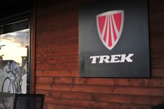 TREKコンセプトストアとして運営しています。