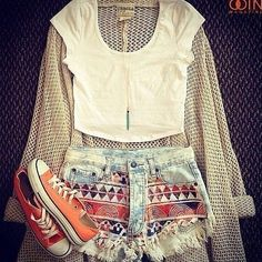 I need an outfit like this for everyday of te week in summer! Love