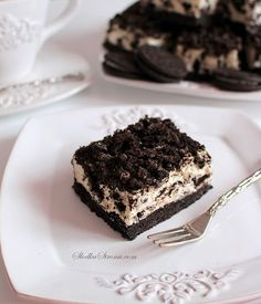 Biscuit cake made with biscuits, milk, cocoa, nuts & chocolate. This easy no bake chocolate biscuit cake is eggless & tastes delicious. Dessert Cake Recipes, Desserts, Chocolate Biscuit Cake, New Cake, Oreo, How To Make Cake, Biscuits, Cheesecake, Food Porn