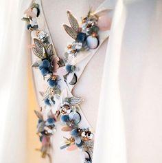 Elbiseni hareketlendiren zarif detaylar… Elegant details that enliven the dress... #Alchera #Alcheracom #KelebeginSarkisi #ButterflySong