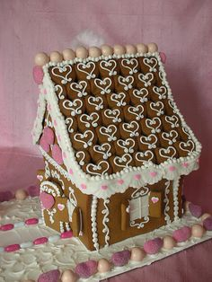 Dishfunctional Designs: Gingerbread House Inspiration