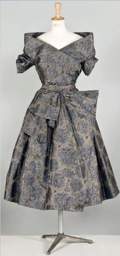 Dress Christian Dior, Fall - Winter 1955. | Cornette de Saint CYR