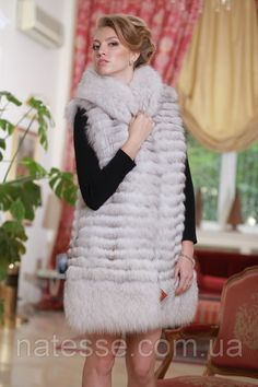 Polar fox fur coat and vest gilet sleeveless overcoat waistcoat with detachable 3/4 length sleeves and detachable collar and the bottom deck Price 1310 $ Size S, M, L Delivery worldwide