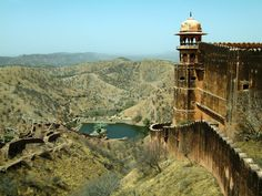 jaipur amber fort- amazing, the whole fort is ingeniously structured around the flow of water