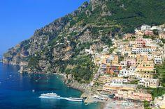 COSTA AMALFITANA, ITÁLIA Ao sul de Nápoles, a Costa Amalfitana tem pequenas vilas charmosas e uma bela vista para o mar mediterrâneo.