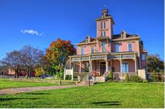 The historic Kirby House in Abilene, Kansas Victorian Cottage, Victorian Homes, Beautiful Buildings, Beautiful Places, Fort Riley, Second Empire, Craftsman Bungalows, Romanesque, Types Of Houses