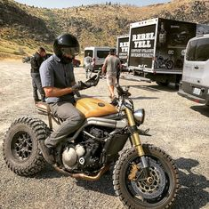 172k Followers, 105 Following, 1,686 Posts - See Instagram photos and videos from Cafe Racers | Customs | Bikes (@kaferacers)