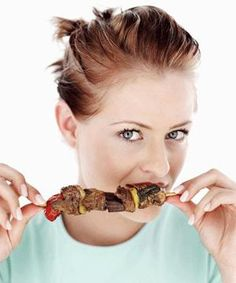 Red meat takes the longest to digest and also can cause other problems. Here are some reasons to avoid red meat or at least take in less red meat. Healthy Homemade Snacks, Healthy Recipes, Healthy Food, Easy Weight Loss, Healthy Weight Loss, Lose Weight, Health Diet, Health And Wellness, Ate Too Much