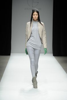 Ariunaa Suri Fall 2013 Ready-to-Wear Collection Slideshow on Style.com