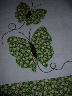 Resultado de imagem para deize costa artesã Applique Towels, Hand Applique, Applique Patterns, Applique Designs, Embroidery Applique, Quilt Patterns, Sewing Hacks, Sewing Crafts, Sewing Projects